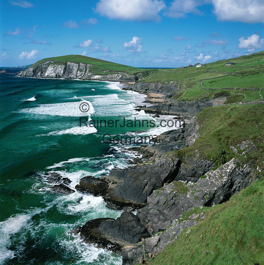 Ireland, County Kerry, The Dingle Peninsula: View over Slea Head and Blasket Sound | Irland, County Kerry, Dingle Halbinsel, Blick ueber Slea Head und Blasket Sound
