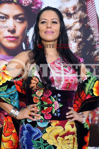 *México*D.F01mar2012*  Casa Lamm. La cantante Lila Downs recibió un disco de platino, por sus más de 60 mil copias vendidas de su álbum Pecados y Milagros, CD que contiene temas escritos por ella, y obras de José Alfredo Jiménez y Marco Antonio Solís. Anuncio que continuará su gira en las próximas semanas por Estados Unidos, Canadá y España..*Photo:©Alexa*Sendel/DAMMPHOTO.COM/NORTEPHOTO*<br /> Casa Lamm. The singer Lila Downs He received a platinum record for his most s 60 thousand copies sold of their albumSin and Miracles CD that contains songs written by her, and works of Jose Alfredo Jimenez and Marco Antonio Alone. Ads will continue his tour in the week Upcoming U.S.,Canada and España<br /> *Photo:©Alexa*Sendel/DAMMPHOTO.COM/NORTEPHOTO*