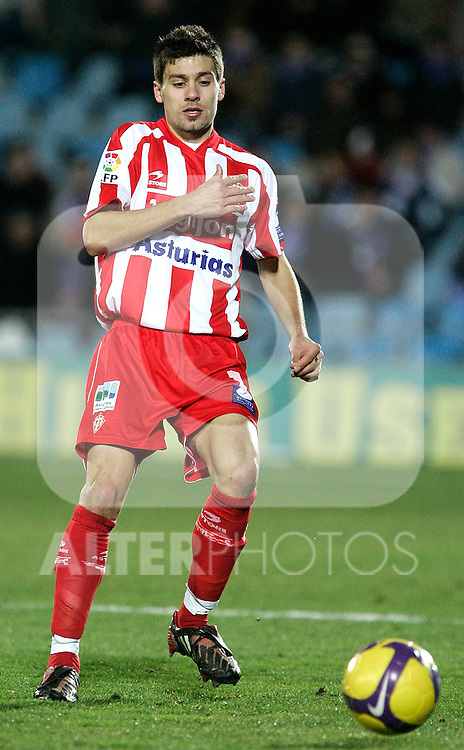 Sporting de Gijon's Roberto Canella during La Liga match, January 25, 2009. (ALTERPHOTOS).
