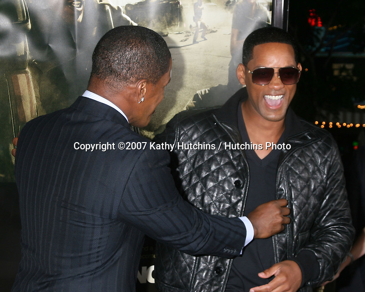 "Jamie Foxx & Will Smith.""The Kingdom"" World Premiere.Mann's Village Theater.Westwood,  CA.September 17, 2007.©2007 Kathy Hutchins / Hutchins Photo...               ."