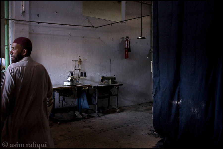 inside a garment factory in karachi