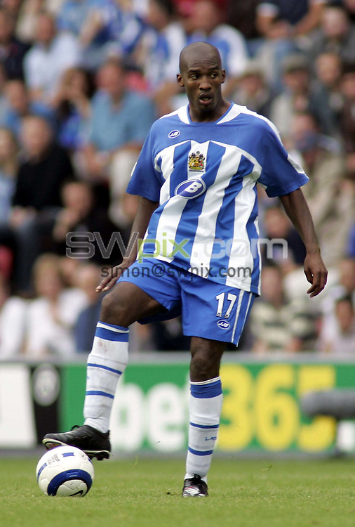 Pix by Chris Whiteoak/SWpix.com, Football, FA Barclaycard Premiership, Wigan Athletic v Chelsea, 14/8/05..COPYRIGHT PICTURE>> SIMON WILKINSON>> SWPIX.COM>>07811267 706>>..Wigan's Damien Francis