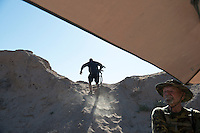 A militia member climbs to his sentry position at camp &quot;Liberty&quot;, near the Cliven Bundy ranch in Bunkerville, Nevada, USA.<br />