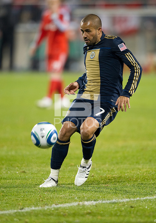 15 April 2010: Philadelphia Union midfielder Fred #7 in action during a game between the Philadelphia Union and Toronto FC at BMO Field in Toronto..Toronto FC won 2-1..Photo by Nick Turchiaro/isiphotos.com........12 September 2009:Toronto FC forward Chad Barrett # 19 takes the ball up field during MLS action at BMO Field Toronto in a game between Colorado Rapids and Toronto FC. .Photo by Nick Turchiaro/isiphotos.comApril 12 2010: Chicago White Sox second baseman Gordon Beckham #15 and Chicago White Sox shortstop Omar Vizquel #11celebrate the win during the Toronto Blue Jays home opener between the Chicago White Sox and the Toronto Blue Jays at Rogers Centre in Toronto, Ontario..The White Sox won 8-7 in 11 innings.........11 April 2009:Toronto FC forward Chad Barrett # 19 takes the ball up field during MLS action at BMO Field Toronto, in a game between FC Dallas and Toronto FC. .Toronto FC won 2-1.