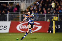Rhys Priestland of Bath Rugby kicks for the posts. Aviva Premiership match, between Bath Rugby and Wasps on December 29, 2017 at the Recreation Ground in Bath, England. Photo by: Patrick Khachfe / Onside Images