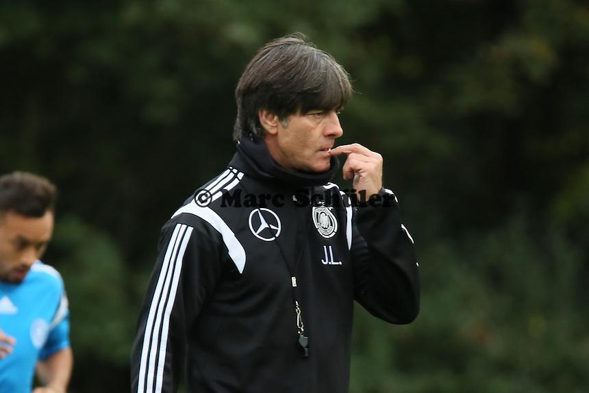 Bundestrainer Joachim Löw - Training der Deutschen Nationalmannschaft in Frankfurt