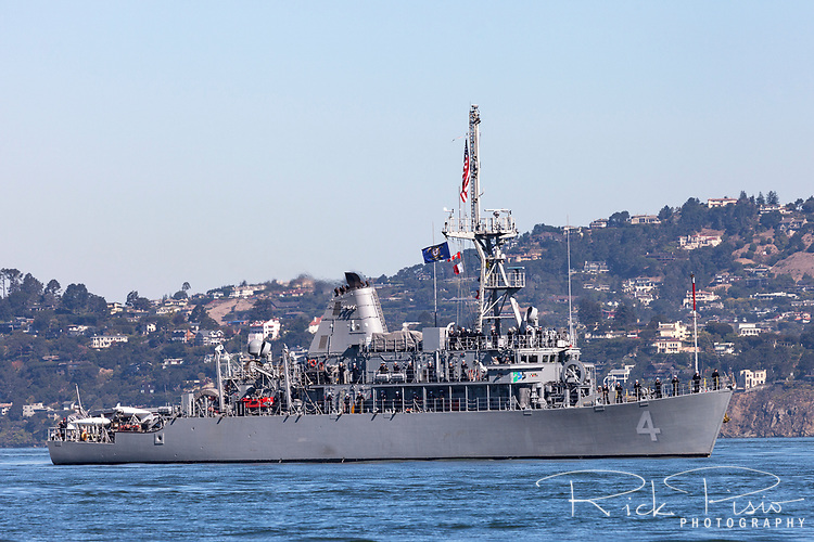 Avenger-class mine countermeasures ship USS Champion (MCM 4) on the water of San Francisco Bay.