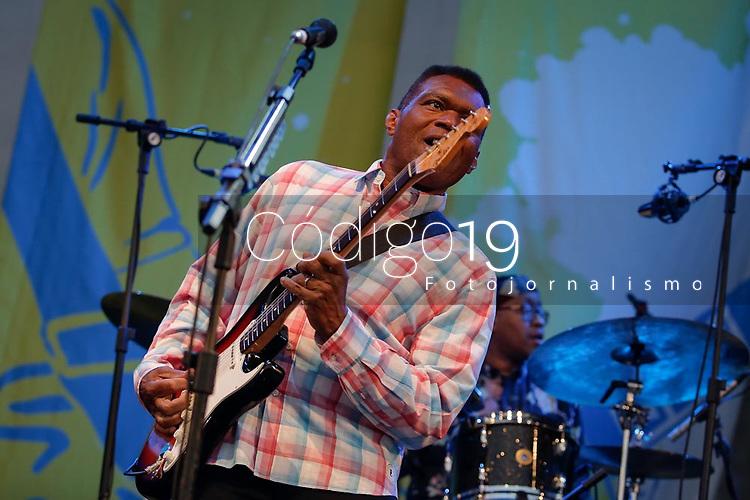 SÃO PAULO, SP 27.07.2019: FESTIVAL BLUES-SP - No palco The Robert Cray Band. Acontece em São Paulo a quinta edição do Festival BB Seguros de Blues e Jazz, na tarde deste sábado, 27, na Ilha Musical do Parque Villa-Lobos, na zona oeste da capital paulista. (Foto: Ale Frata/Código19)