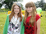 Ellie Mullane Carroll and Abby McCoy at the Turfman festival in Ardee. Photo: Colin Bell/pressphotos.ie