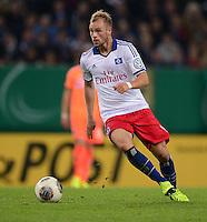 FUSSBALL   DFB POKAL   SAISON 2013/2014   2. HAUPTRUNDE Hamburger SV - SpVgg Greuther Fuerth                 24.09.2013 Maximilian Beister (Hamburger SV) am Ball