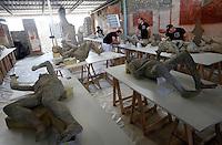 Pompei 86 calchi sono sottoposti ad un intervento di recupero e restauro e studio per poter ricavare profili antropologici e genetici