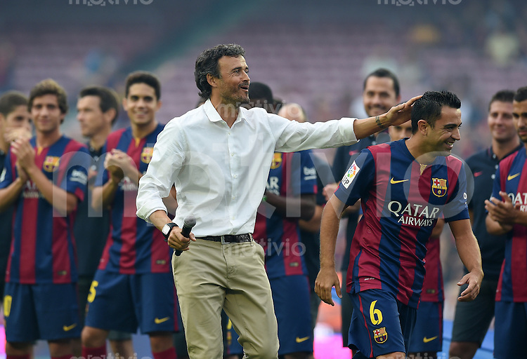 FUSSBALL  INTERNATIONAL   SAISON 2011/2012   18.08.2014 Gamper Cup 2014 FC Barcelona - Leon FC Teampraesentation Barca; Trainer Luis Enrique (li) mit Xavi Hernandez