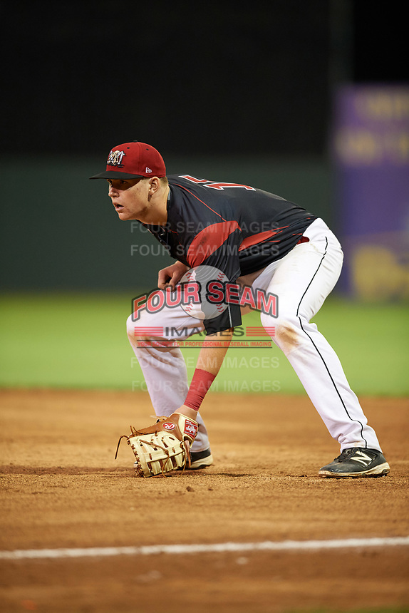 Batavia Muckdogs first baseman Sean Reynolds (15) during a game against the Mahoning Valley Scrappers on August 16, 2017 at Dwyer Stadium in Batavia, New York.  Batavia defeated Mahoning Valley 10-6.  (Mike Janes/Four Seam Images)