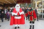 Santa arrives Town Centre 2010