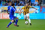 Nederland, Arnhem, 1 april 2012.Eredivisie.Seizoen 2011-2012.Vitesse-AZ.Alexander Buttner van Vitesse (r.) en Dirk Marcellis van AZ strijden om de bal