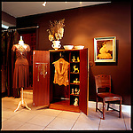Una boutique in SouthEast Portland, Oregon specializes in carefully selected modern apparel and accessories.
