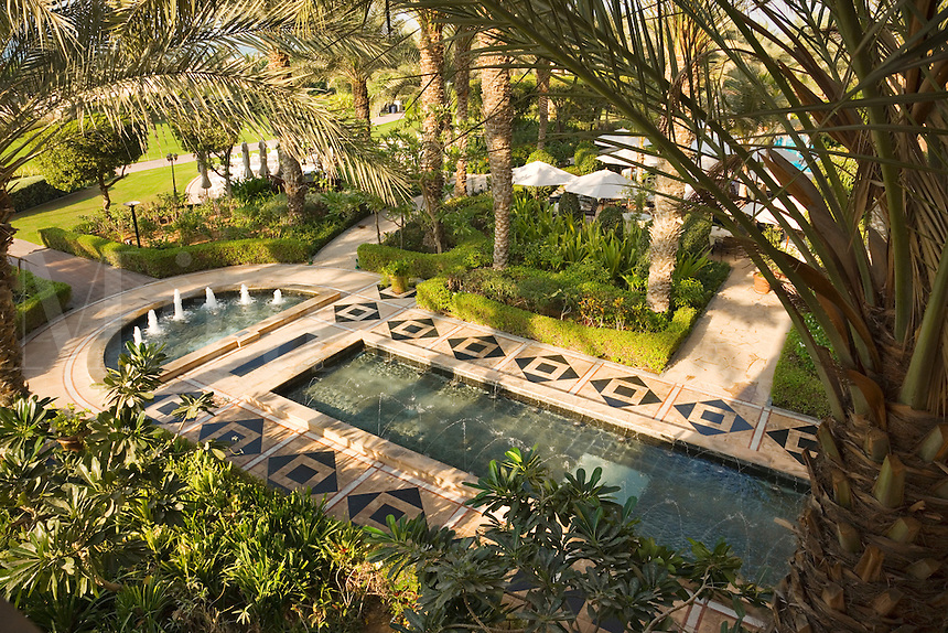 Dubai ritz carlton hotel gardens mira images for Garden pool dubai