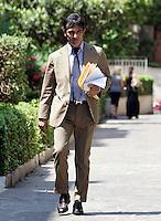 L'avvocato Antonio Conte arriva alla riunione del collegio arbitrale per dirimere la vertenza tra Italpetroli ed Unicredit, presso lo studio di Ruperto a Roma, 5 luglio 2010..UPDATE IMAGES PRESS/Riccardo De Luca