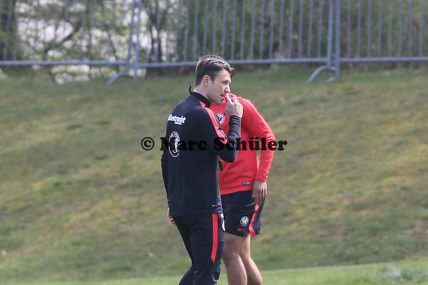 Trainer Niko Kovac gibt Anweisungen - Eintracht Frankfurt Training, Commerzbank Arena