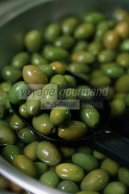 """Europe/France/Languedoc-Roussillon/30/Gard/Nîmes: Les Olives """"DANIEL"""" aux Halles - Olives Variété Picholine - olive nimoise"""