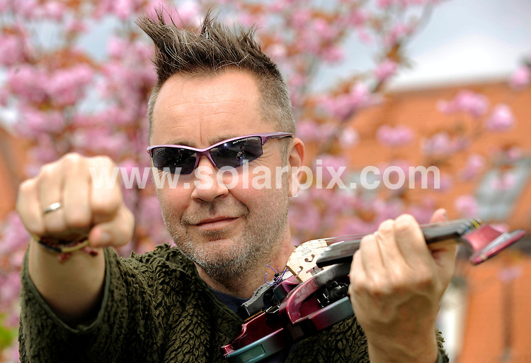**ALL ROUND PICTURES FROM SOLARPIX.COM**.**SYNDICATION RIGHTS FOR UK AND SPAIN ONLY**.Nigel Kennedy shown here at a photocall in Munich ( Muenchen) in Germany the pop violinist will start his Germany tour on the 16th of May. .JOB REF:6258-CPR/Joerg Koch        DATE:24_04_08.**MUST CREDIT SOLARPIX.COM OR DOUBLE FEE WILL BE CHARGED* *UNDER NO CIRCUMSTANCES IS THIS IMAGE TO BE REPRODUCED FOR ANY ONLINE EDITION WITHOUT PRIOR PERMISSION*