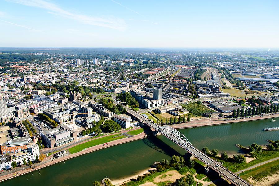 Nederland, Gelderland, Arnhem, 30-09-2015; John Frostbrug over de Nederrijn bij Arnhem.<br /> <br /> John Frost Bridge crossing the Lower Rhine at Arnhem.<br /> luchtfoto (toeslag op standard tarieven);<br /> aerial photo (additional fee required);<br /> copyright foto/photo Siebe Swart