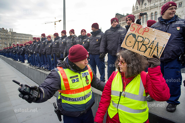 Hungary: Slave law unrest 2018 - NEWS