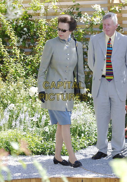 HRH PRINCESS ANNE.Press Day at the Royal Horticultural Society's Chelsea Flower Show, Royal Hospital, Chelsea, London, .May 23rd 2005..full length royal sunglasses gloves ann.Ref: PL.www.capitalpictures.com.sales@capitalpictures.com.©Capital Pictures