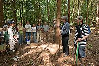 Exkursion im Wald, Fachmännische Waldführung mit Beschreibung von ökologischen Aspekten
