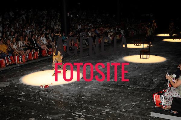 São Paulo, Brasil – 19/01/2010 - Desfile de Ronaldo Fraga durante o São Paulo Fashion Week  -  Inverno 2010. Foto: Cris von Ameln / Ag. Fotosite