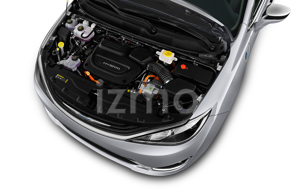 Car stock 2018 Chrysler Pacifica Hybrid Limited 5 Door Mini Van engine high angle detail view
