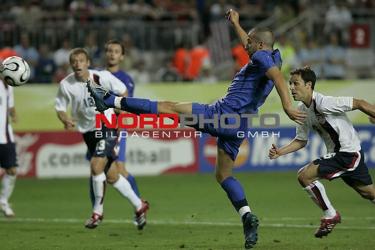 FIFA WM 2006 -  Gruppe E Vorrunde ( Group E )<br /> Play   #25 (17-Jun) - Italien - USA 1:1<br /> <br />  DEL PIERO <br /> <br /> <br /> Foto &copy; nordphoto