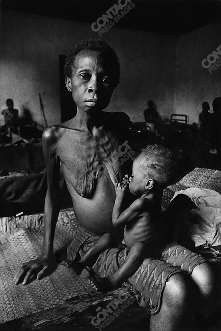Twenty-four-year-old mother and her child, Biafra, Nigeria, 1969