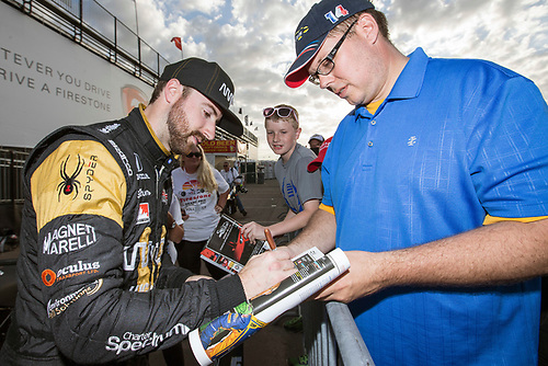 11-13 March, 2016, St Petersburg, Florida USA<br /> 5 James Hinchcliffe signs autograph for fan<br /> ©2016, Sam Cobb<br /> LAT Photo USA
