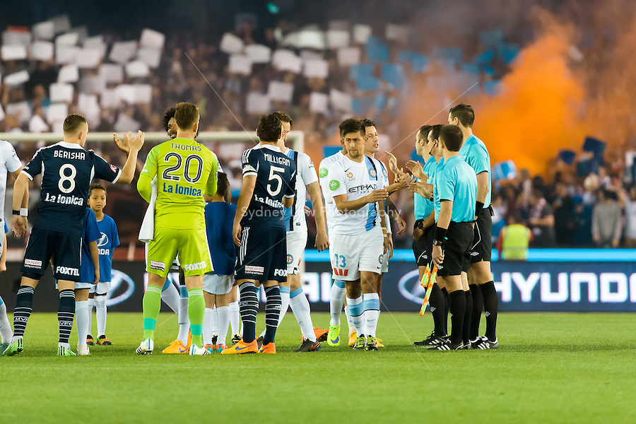 Players prepare for the start of the semi final match between Melbourne Victory and Melbourne City in the Australian Hyundai A-League 2015 season at Etihad Stadium, Melbourne, Australia.<br />
