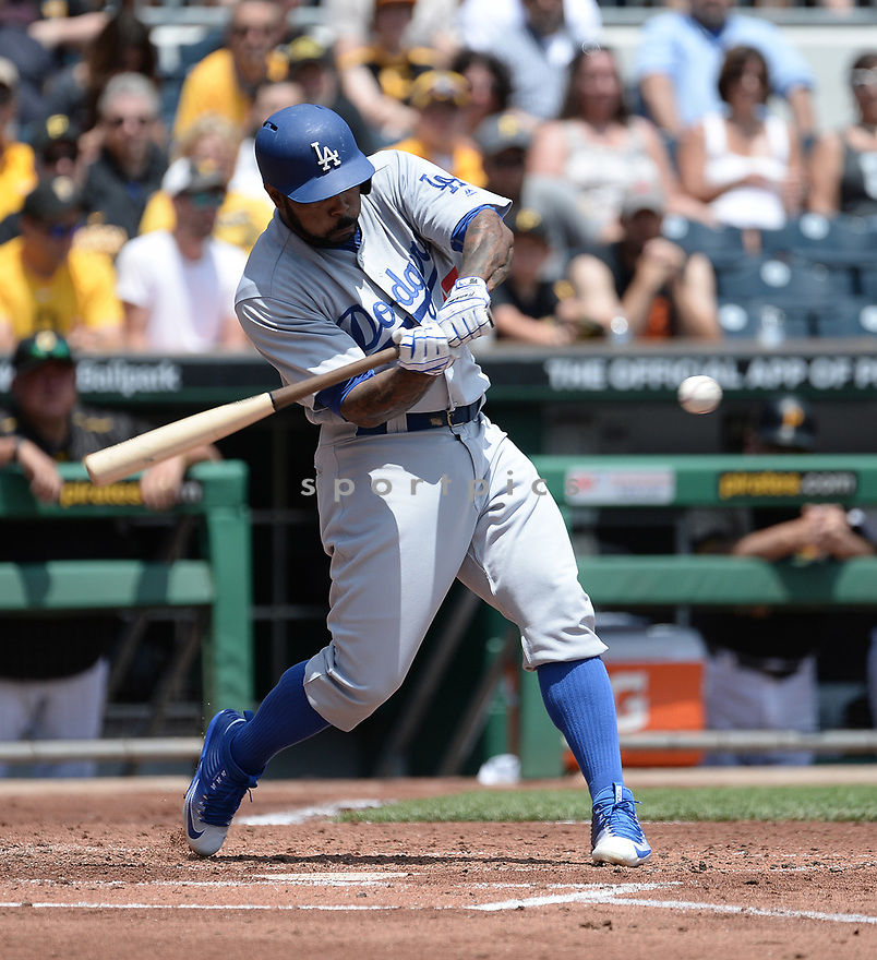 Los Angeles Dodgers Howie Kendrick (47) during a game against the Pittsburgh Pirates on June 27, 2016 at PNC Park in Pittsburgh, PA. The Dodgers beat the Pirates 4-3.