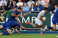 Ben Tapuai of Bath Rugby races clear. Pre-season friendly match, between Leinster Rugby and Bath Rugby on August 25, 2017 at Donnybrook Stadium in Dublin, Republic of Ireland. Photo by: Patrick Khachfe / Onside Images