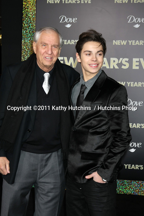 """LOS ANGELES - DEC 5:  Garry Marshall, Jake T. Austin arrives at the """"New Year's Eve"""" World Premiere at Graumans Chinese Theater on December 5, 2011 in Los Angeles, CA"""