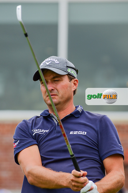 Kevin Kisner (USA) reacts to his tee shot on 17 during round 4 of the Dean &amp; Deluca Invitational, at The Colonial, Ft. Worth, Texas, USA. 5/28/2017.<br /> Picture: Golffile | Ken Murray<br /> <br /> <br /> All photo usage must carry mandatory copyright credit (&copy; Golffile | Ken Murray)