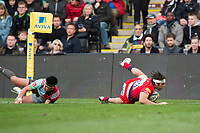 Dean Hammond of Worcester Warriors scores the bonus point try. Aviva Premiership match, between Harlequins and Worcester Warriors on October 28, 2017 at the Twickenham Stoop in London, England. Photo by: Patrick Khachfe / JMP