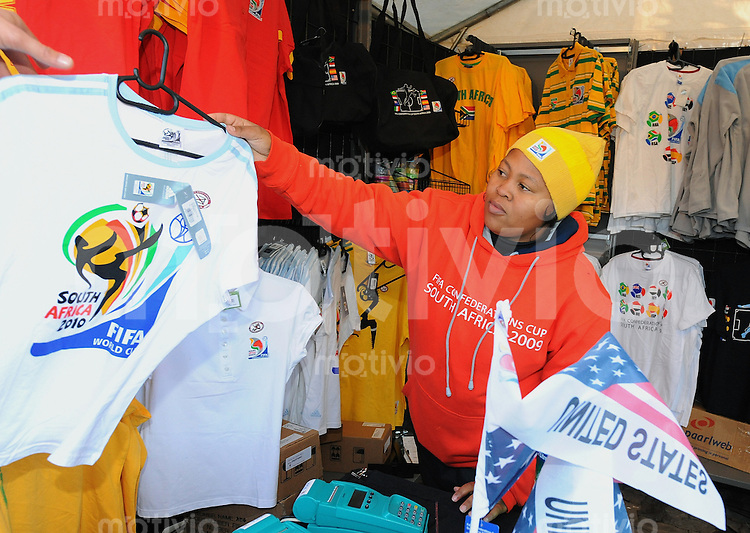 Fussball  International FIFA Confederations Cup 2009   24.06.2009 Halbfinale    FANARTIKEL in einem  official Fan Shop am Free State Stadium im  Mangaung District in Bloemfontein