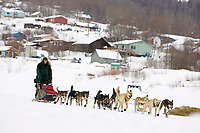 Matt Hayashida leaves the Ruby checkpoint behind him as he glides down the Yukon river on Saturday morning headed to Galena during the 2008 Iditarod