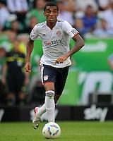 FUSSBALL   1. BUNDESLIGA   SAISON 2011/2012    2. SPIELTAG VfL Wolfsburg - FC Bayern Muenchen      13.08.2011 Luiz GUSTAVO (Bayern) am Ball