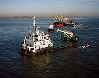 9 december 1994. De Pioner Onegi maakte op 8 december 1994 op weg van Antwerpen naar zee, zoveel slagzij dat sleepboten het schip tegen de slikken voor Bath moesten duwen om kapseizen te voorkomen. De Pioner had te veel containers aan boord en was verkeerd geladen.