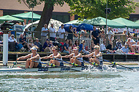 """Henley on Thames, United Kingdom, 3rd July 2018, Sunday,  """"Henley Royal Regatta"""",  The Princess Grace Challenge Cup, Christiania Roklub, NOR, progress along the course, View, Henley Reach, River Thames, Thames Valley, England, UK"""