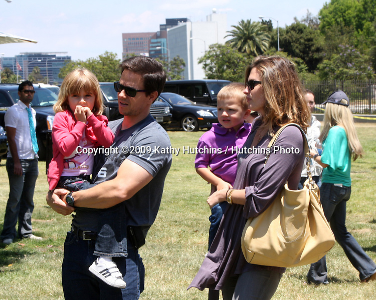 "Vanessa Williams & Sons arriving at the ""Image That"" Premiere at the Paramount Theater on the Paramount Lot in Los Angeles, CA on June 6, 2009 .©2009 Kathy Hutchins / Hutchins Photo.."