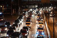 SÃO PAULO-SP-22,09,2014- TRÂNSITO MARGINAL PINHEIROS - O Motorista enfrenta  lentidão na Marginal Pinheiros sentido Castelo Branco.Próximo à Ponte Eusébio Matoso na noite dessa Segunda-Feira,22(Foto:Kevin David/Brazil Photo Press)