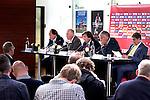 Nederland, Amsterdam, 14 juni 2012.Seizoen 2011/2012.De buitengewone aandeelhoudersvergadering van Ajax NV.(VLNR) De drie beoogde commissarissen Hans Wijers, Leo van Wijk en Theo van Duivenbode tijdens de buitengewone aandeelhoudersvergadering van Ajax. De aanwezige aandeelhouders mogen zich uitspreken over de voorgenomen benoeming van de commissarissen,Jeroen Slop, Henrie van der Aat