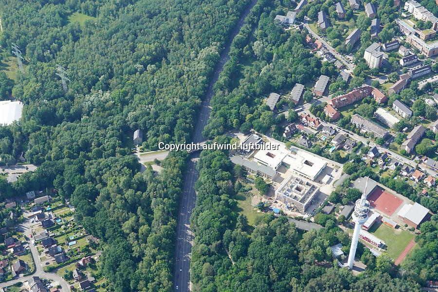 Ladenbeker Fuhrtweg Bergedorfer Strasse B5: EUROPA, DEUTSCHLAND, HAMBURG, (EUROPE, GERMANY), 17.06.2020: Ladenbeker Fuhrtweg Bergedorfer Strasse B5