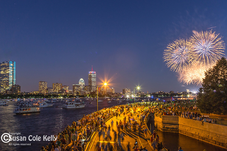 The July 4th fireworks in Boston, Massachusetts, USAhe July 4th fireworks in Boston, Massachusetts, USA, Boston, Massachusetts, USA